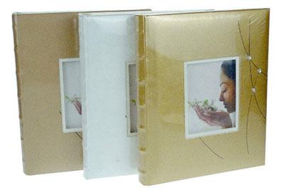 10. Közepes méretű, strasszos, ablakos, 29x24cm, 30 lap / 60 oldal