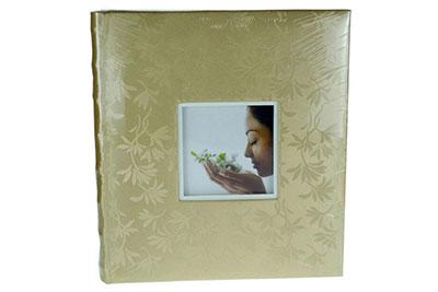 13. Nagyméretű, arany színű, ablakos, virág mintás, 32x29cm, 30 lap / 60 oldal