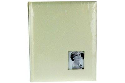 3. Közepes méretű, arany színű, gyöngysor mintás, 29x24cm, 30 lap / 60 oldal