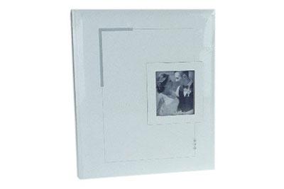 4. Közepes méretű, fehér-ezüst színű, ablakos, 29x24cm, 30 lap / 60 oldal