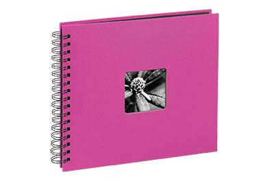 45. Közepes méretű, spirálos, pink színű, ablakos, 28x24cm, 25 <b>fekete</b> lap / 50 <b>fekete</b> oldal